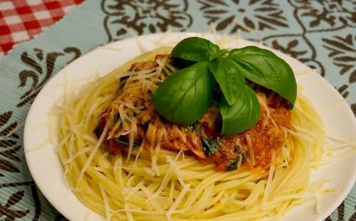 Быстрый соус для спагетти готов