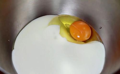 Кефир с яйцом